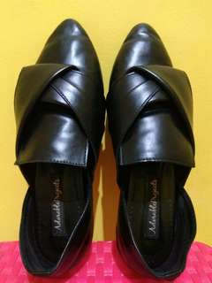 Sepatu Loafer Black