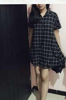 Kemeja flannel flanel kotak-kotak hitam short dress