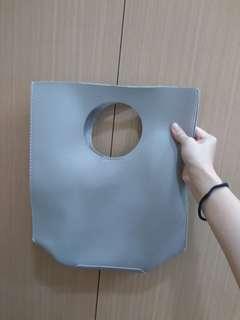 🚚 灰色手提包