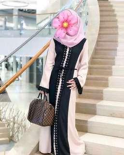 Abaya krem hitam