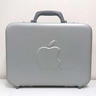 罕有絕版珍藏 Apple MacBook Pro Laptop / Apple Macintosh /Apple Powerbook 鋁質喼 (果迷收藏必選)  Apple MacBook Pro Laptop / Apple Macintosh /Apple Powerbook Briefcase With Apple Logo Embossed (Vintage collection)