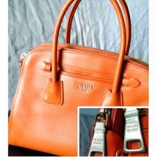 2e8868af7562 $1800 Limited Time Offer - Authentic Prada Tote (Used)