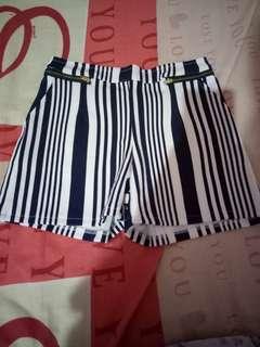Hotpants garis