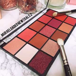 [ Authentic ] Makeup Revolution Reloaded Eyeshadow Palette