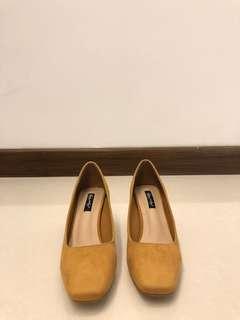 mustard heels