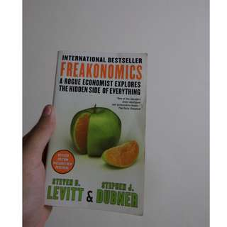 FREAKONOMICS (Buku Pengetahuan Non-Fiksi Populer Inggris/English Popular Non-Fiction Book)
