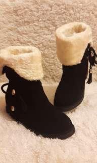 🚚 絨面兩種穿法短靴
