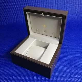 Baume and Mercier watch box