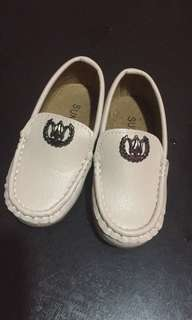Loafer baby shoes
