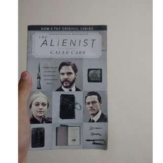 The Alienist (Novel Fiksi Fantasi Inggris/Fantasy Fiction English Novel)