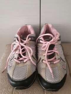 Joanna∼FILA粉色輕量慢跑運動鞋,US7.5