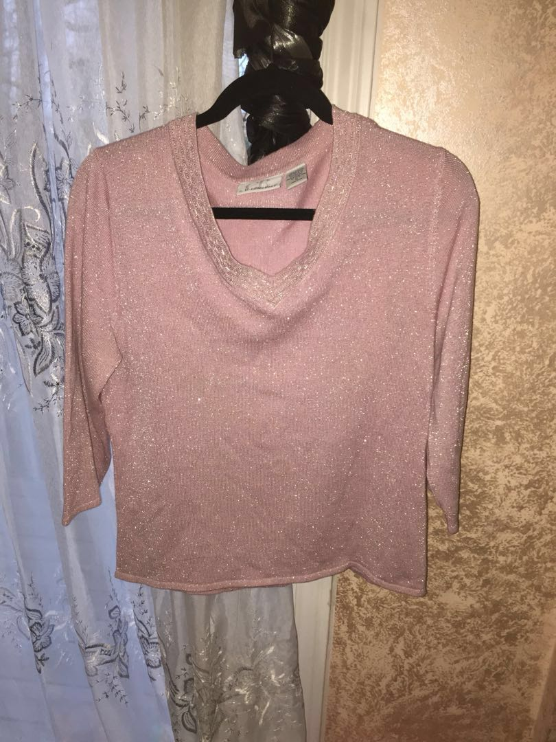 Beautiful Silver Sparkles light pink top M