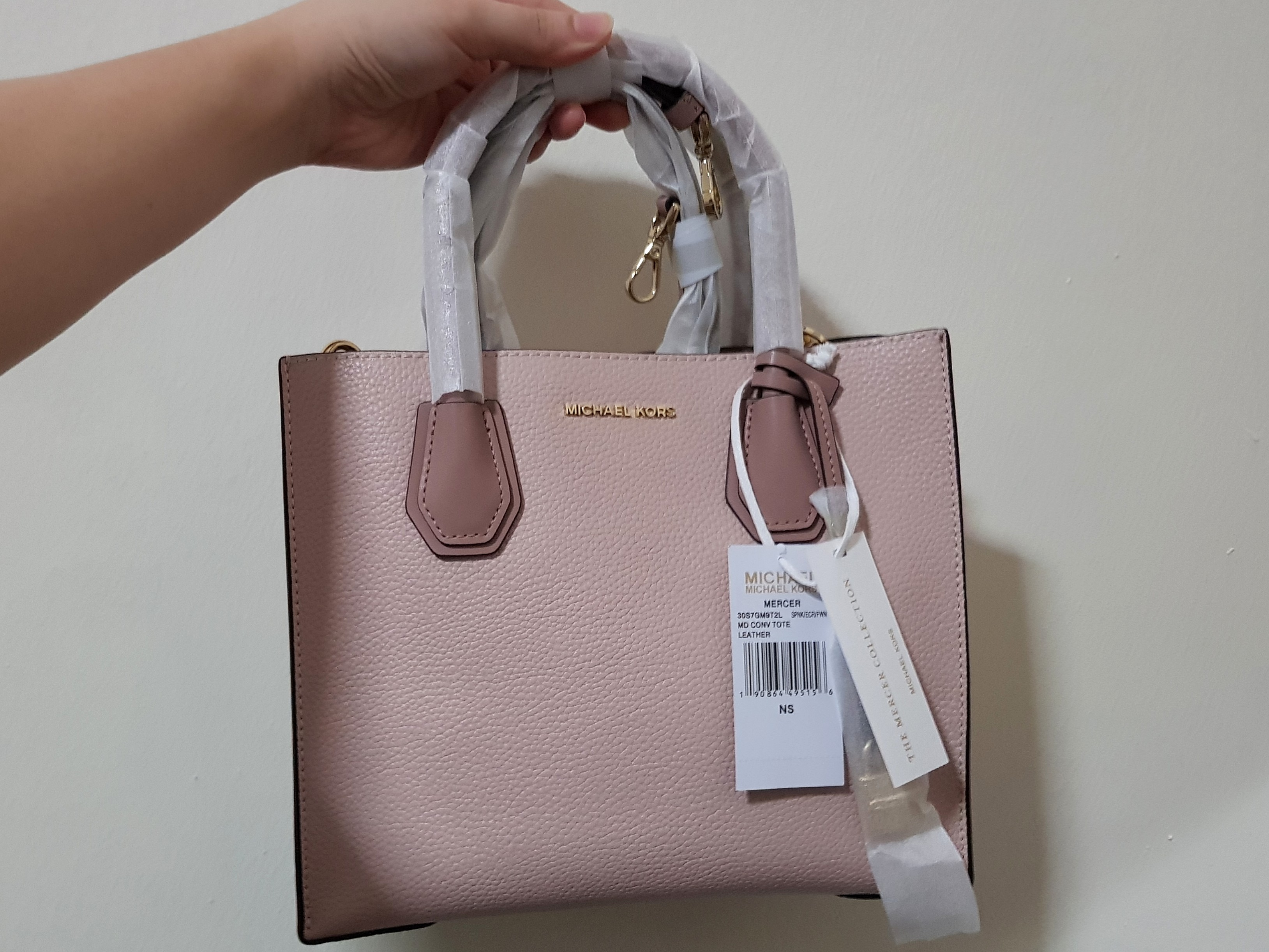 e1e263528733 CLEARANCE- Michael Kors Mercer- Pink (100% Authentic)