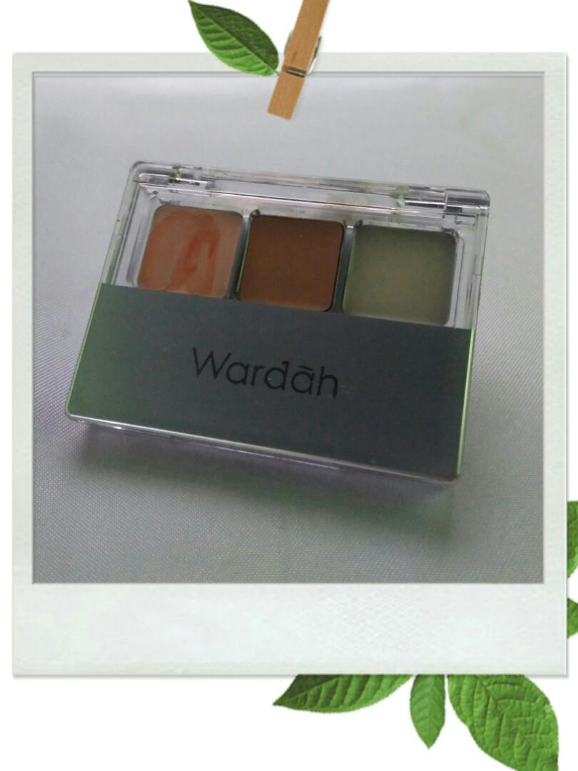 Concealer Wardah Double Function Kit Kesehatan Kecantikan Rias Concealar Eye Shadow Wajah Di Carousell