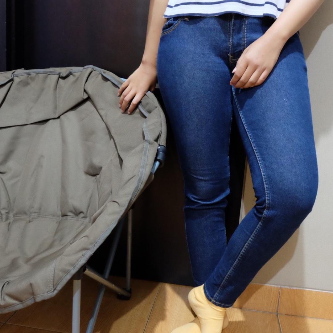 dark blue jeans by logo jeans