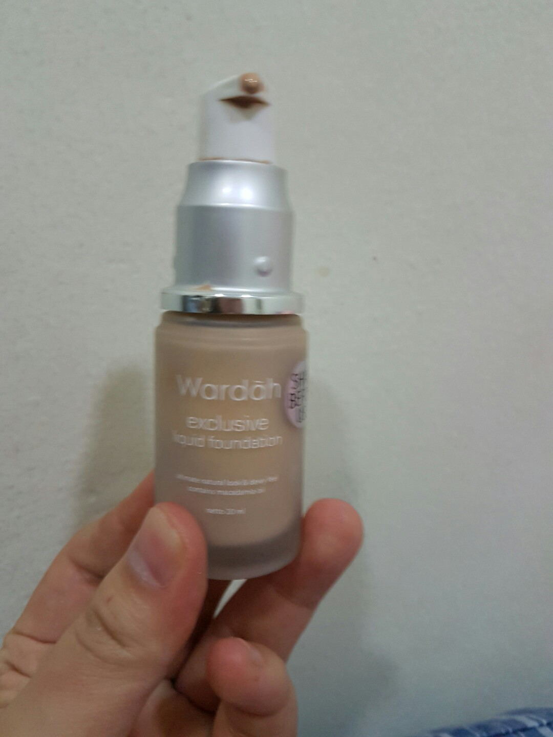 Wardah Exclusive Liquid Foundation 01 Light Beige 20 Ml Daftar Free Gift 20ml
