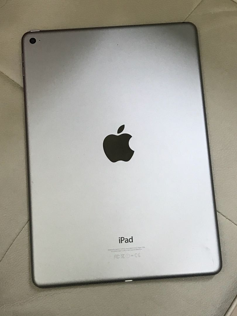 iPad Air 2 16 gb wifi (極少用,配件齊,很新)