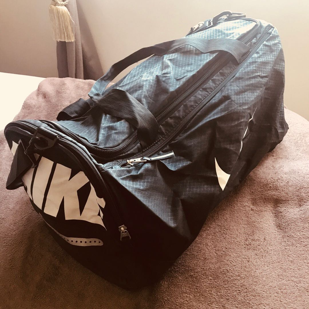 Nike - Medium Air Max Duffel bag a1898c70b1180