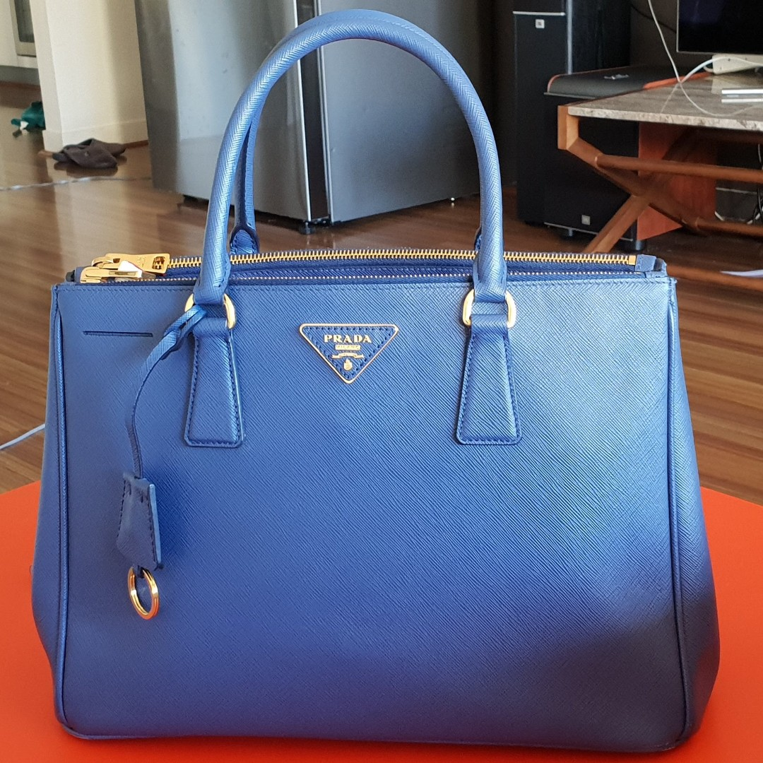 27b81fa53 PRADA Galleria Saffiano Small leather shoulder bag (Pre-Owned), Luxury, Bags  & Wallets, Handbags on Carousell