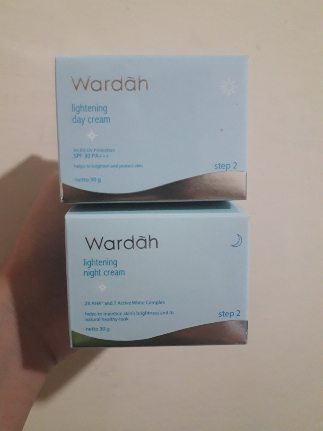 Promo Wardah Light Day Cream Spf 30 30gr Termurah 2018 Lightening Gr Night Step 2 Kesehatan Kecantikan Kulit Sabun Tubuh