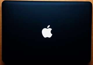 Macbook Pro with: ORIGINAL Case(Mate black) and ORIGINAL Bag(Okade,new)