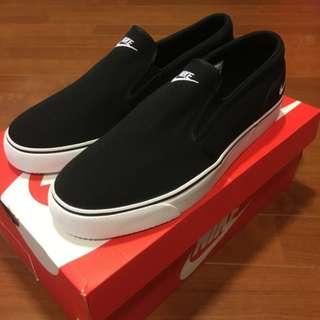 🚚 NIKE TOKI SLIP TXT 日本復刻 台灣未發售 男運動休閒鞋 黑白LOGO 帆布懶人鞋 百搭基本款 US10