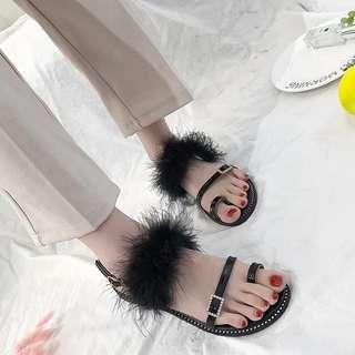 PO Ladies Fashion Thin Strap Fur Sandals