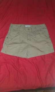 Bossini杏色短褲