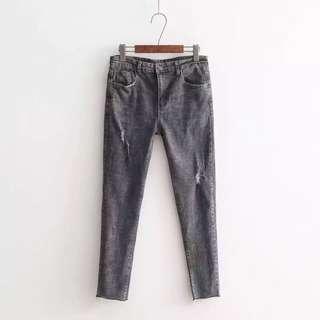 (XL~4XL) 2018 Women's Korean version of the stretch hole pierced pencil jeans