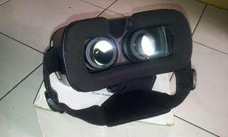 I-One Virtual Reality (VR) Box / Glasses