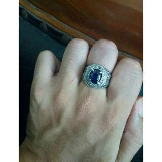 Cincin blue safir oval cut