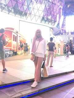 pink slit pants
