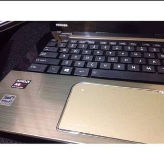 Laptop AMD A8 (gold)