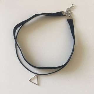 HK Triangle black choker
