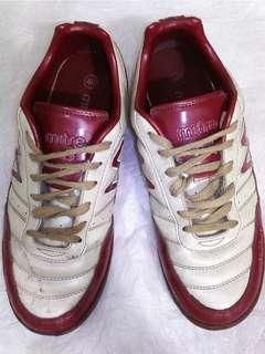 Sepatu futsal Mitre