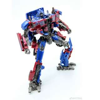 (In Stock) Takara Studio Series SS-05 Voyager Optimus Prime (w/o box)