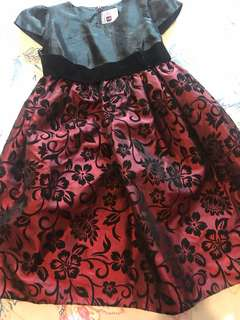 Beautiful Party Dress Suitable for 6-7 yrs Used