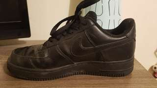 Black Nike Air Force 1