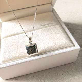 NKLN-071 • 925 Silver Shell Square Necklace