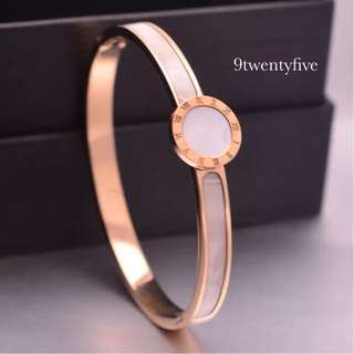 BGW-009 • Rose Gold Roman Shell Bangle
