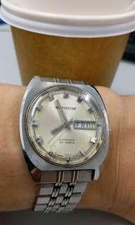 原汁原味,60年代 Sandoz 古董錶,原裝面,無番寫,25石自動機芯,已抹油,行走精神,原裝鋼錶帶,塑膠上蓋,直徑36mm不連霸的,淨錶港幣$1500,有意請pm