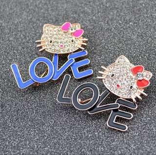 Hello Kitty Love Brooch 2pcs (Preorder)