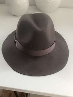 Taupe Old Navy Wool Hat