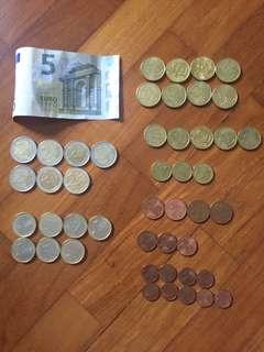 Loose Euro change