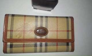 Burberrys Long Wallet Bundle