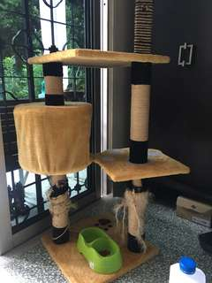 Used car scratch/ play pole for sale