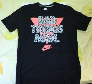 🚚 Nike 黑粉反光短袖