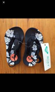 roxy slippers 1-2T sizes