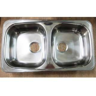 Double bowl kitchen sink - 800x460