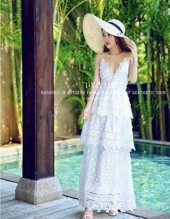 🚚 (全新)白色交叉露背吊帶蕾絲長洋裝